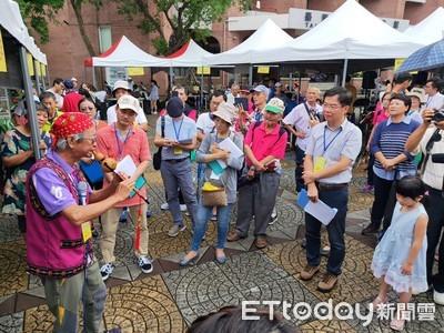 台東街頭藝人考照 87組人馬雨中展才藝