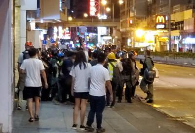 示威者太子站集結!速龍小隊清場