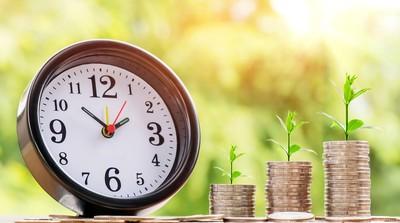 年輕優勢無痛規劃退休生活「定期定額+時間複利」