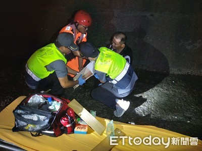 「玲玲」瘋狗浪傷人 釣客從3米高被打落受傷