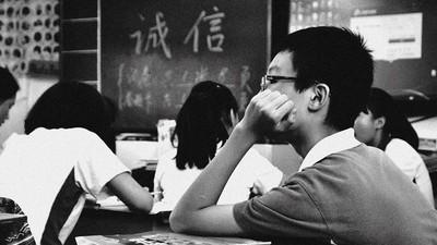 妥瑞氏症同學遭霸凌 他出面解圍反被告 心冷辭職:與學生保持距離