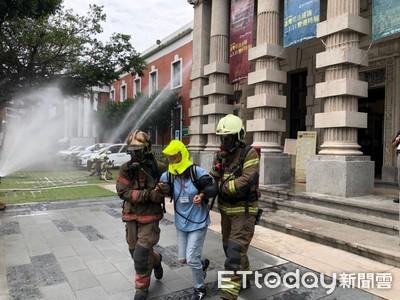 台南消防局舉辦古蹟救災演練