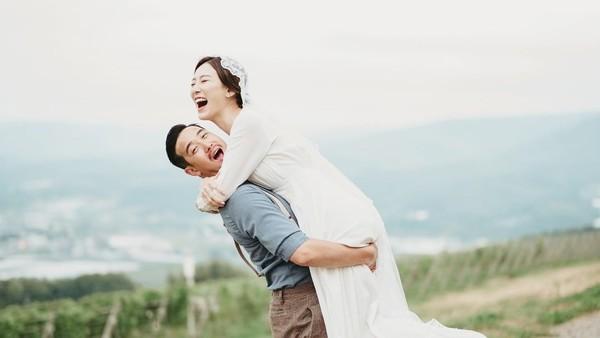 曾國祥結婚。(圖/翻攝自INSTAGRAM/lajah)