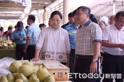 花蓮柚台北開賣 4比6黃金糖酸比尾韻佳