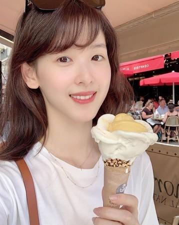▲「奶茶妹妹」章澤天回應假學霸傳聞。(圖/翻攝自章澤天Instagram)