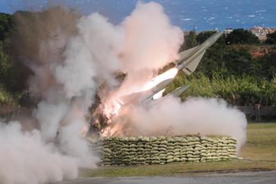 九鵬基地飛彈射擊 以演訓回應對岸?