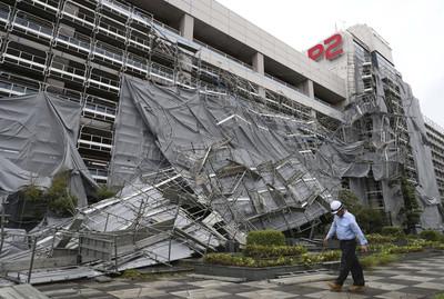 法西颱風撲日 逾62萬戶停電