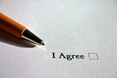 陳砥柱/收費型線上內容服務自動續約條款