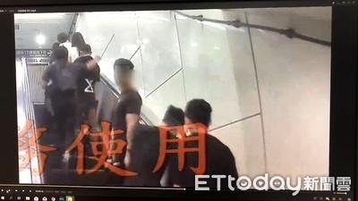 捷運忠孝敦化站驚傳偷拍狼 正義哥壓制逮人