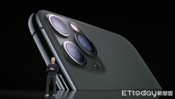 網狂p圖惡搞!iPhone三鏡頭原來是「三眼烏鴉」 狂酸:未來就是珍奶了吧