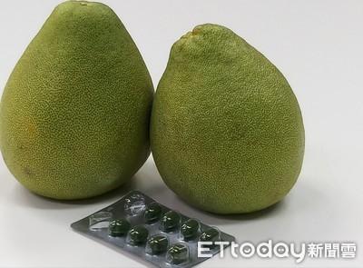 下肚會傷肝!藥師警告「吃柚子」別碰4藥物