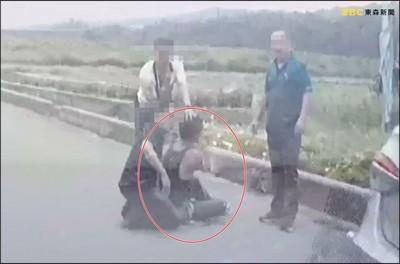 通緝犯要開槍 員警一指卡死板機