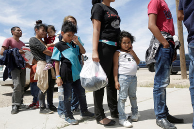 川普新政策:移民入境未滿1年禁止工作