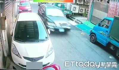 男身中多刀被丟包 警追5男1女將法辦