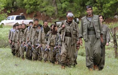 庫德族工人黨炸翻小巴 4死13傷