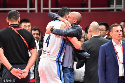 阿根廷與西班牙爭冠 史柯拉擁抱鬼切