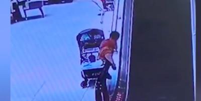 男童「熊抱」電扶梯扶手 店員神救援