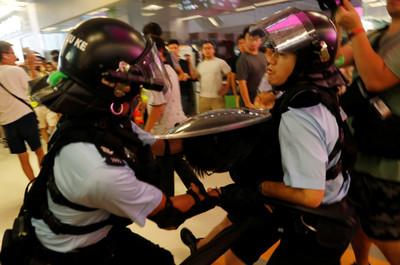 淘大商場爆衝突!恒隆:警方介入無知會管理處