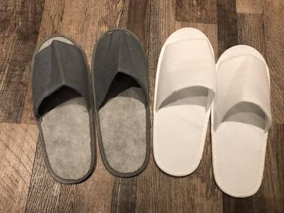 穿飯店紙拖鞋吃早餐!網:會滑倒
