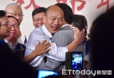 韓國瑜馬英九擁抱 柯文哲酸說⋯