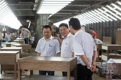 他從日薪10元木工學徒 拚到年收37億