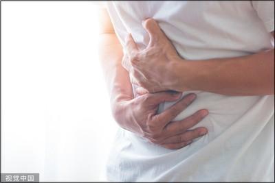 25歲男「腹痛1年」…醫檢查曝:是闌尾癌!