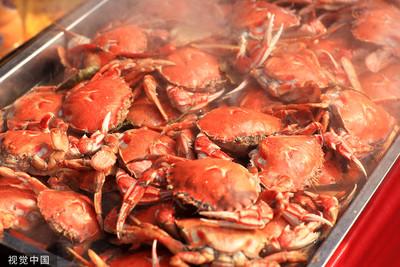吃螃蟹染「海洋弧菌」…他24hrs內中毒命危