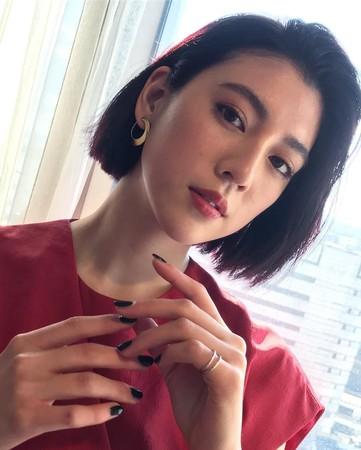 ▲三吉彩花是名模也是演員。(圖/翻攝自三吉彩花Instagram)