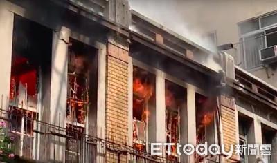 前台中市長老屋起火 警消30分內撲