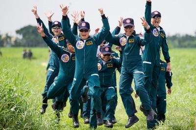 潘益龍完美高空跳傘逾1200次