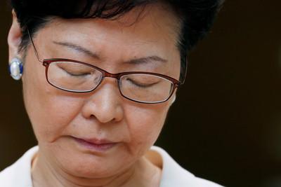 香港82%民眾反對林鄭出任特首