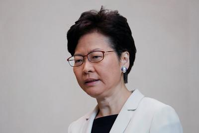香港最新民調:特首與3司長評分創新低