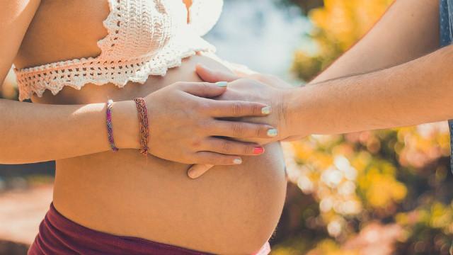 ▲▼懷孕,孕婦,夫妻。(圖/取自免費圖庫Pixabay)