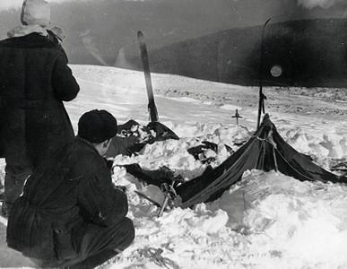 「佳特洛夫事件」9登山客神秘慘死 「雪人」出沒成兇手