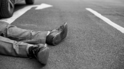 國一林口路段2貨車追撞 駕駛卡車內慘死
