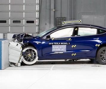特斯拉Model 3獲最佳安全評級
