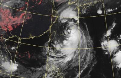 塔巴高低層分離!1張圖看豪雨強襲