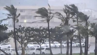 塔巴襲沖繩 12傷、3.9萬戶停電
