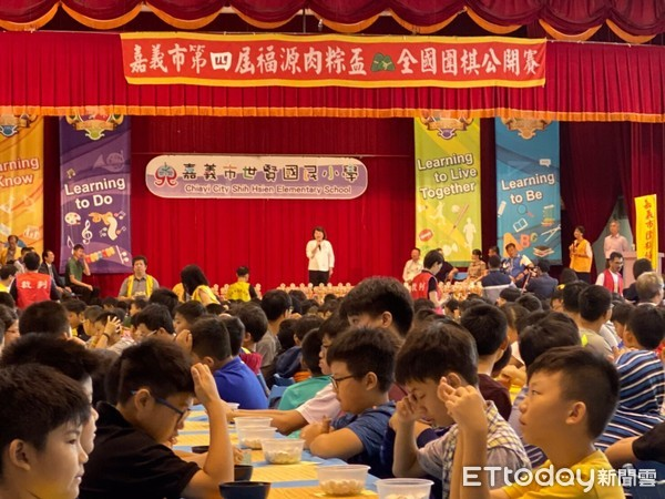▲▼嘉義市圍棋協會於世賢國小舉辦全國圍棋公開賽。(圖/嘉義市圍棋協會提供)