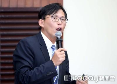 飆罵中油官員 黃國昌助理道歉了