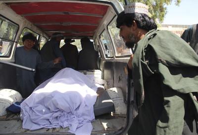 阿富汗政府想轟塔利班 炸到隔壁婚禮