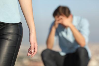 閨蜜搶走男友 她纏上爸爸「前女友成繼母」