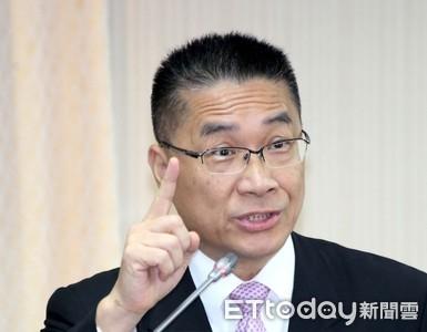 坐鎮高雄治安 徐國勇:我下去才讓韓國瑜撿到槍