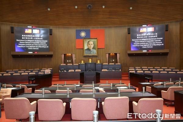 立委席次變革「最長43年、最多225席」 蘇貞昌曾建議可增至300人  