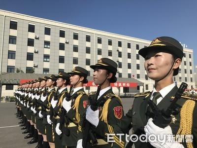 影/女兵40秒不眨眼! 直擊北京閱兵村