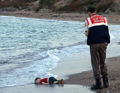 土耳其收500萬難民 總統亮出男童趴沙灘屍照
