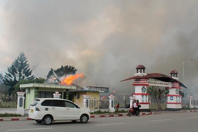 學生疑遭辱 印尼巴布亞省抗議27死