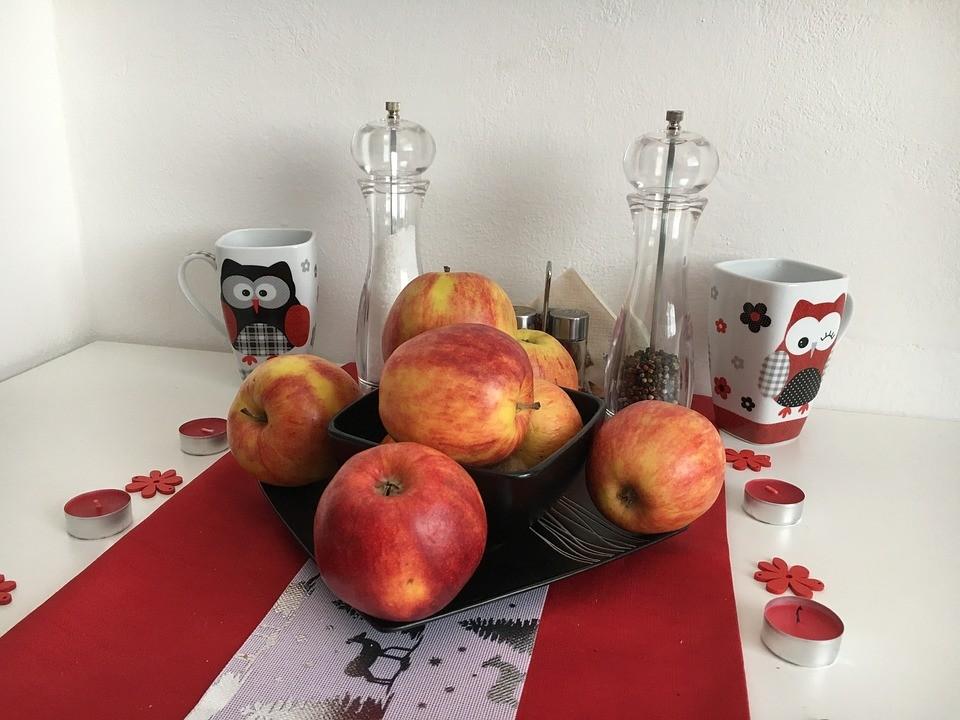 ▲▼蘋果,水果,餐桌。(圖/取自免費圖庫Pixabay)