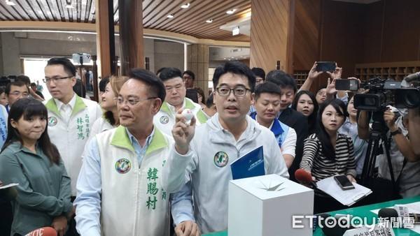 想質詢韓國瑜先抽籤!51議員搶爆12席「保障名單」 下午登場順序曝光 |