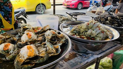 鮮嫩抱卵生蟹、鮮蝦隨你吃!曼谷中國城吃貨全攻略 逛累還有文青咖啡廳